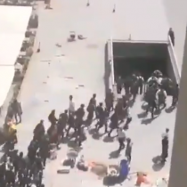 Manifestaciones de estudiantes secundarios interrumpen servicio de Metro con cierre de estaciones