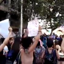Mujeres se hacen presentes en la Plaza de la Dignidad en el marco de la Huelga General Feminista