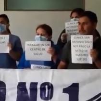 Funcionarios de Clínica San Antonio denuncian el depósito de solo la mitad de sus sueldos