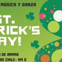 Festival de danza y música irlandesa por Día de San Patricio en Plaza de Armas de Santiago