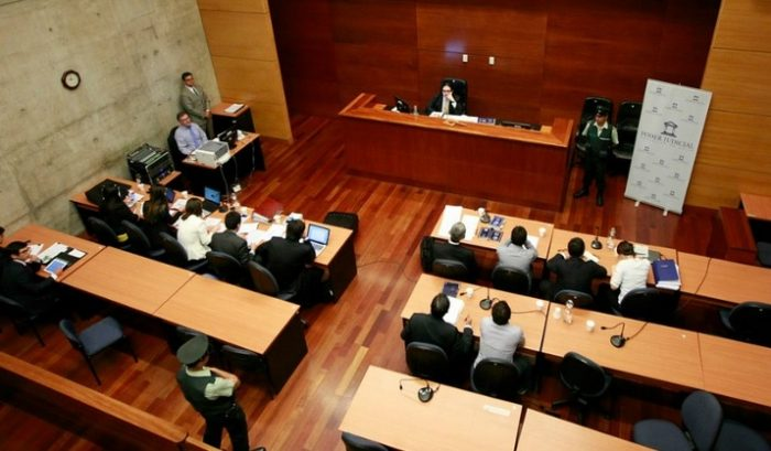 Justicia chilena en pandemia: El inédito desafío del juicio oral