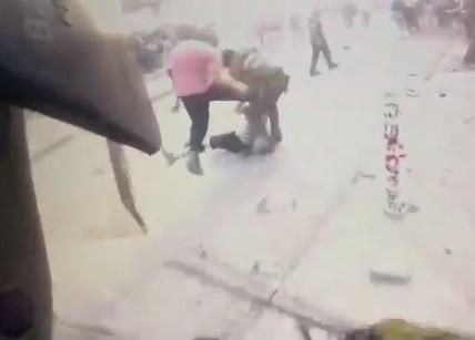 La versión de Carabineros: institución mostró video de patada de Patricio Bao a funcionario previo a la brutal paliza
