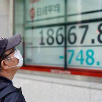 """Alarma en mercados: nueva caída de bolsas y Banco Central llama a reunión de emergencia en otro """"lunes negro"""""""