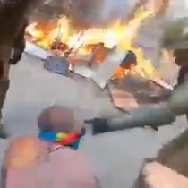 Carabineros agreden violentamente a adulto mayor durante manifestación en Santiago
