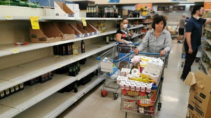 Bloomberg: el coronavirus cambiará la forma en que compramos, viajamos y trabajamos durante años
