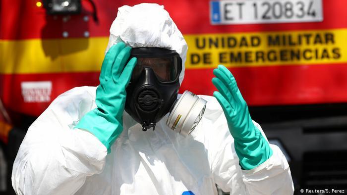 España ralentiza contagios por coronavirus, pero aumentan las muertes