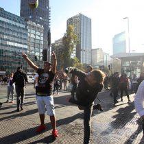 Las imágenes de las protestas de secundarios y organizaciones por los dos años del Gobierno de Piñera