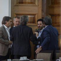 El round Allamand - Larraín Matte por la arremetida del senador RN contra el ministro Blumel