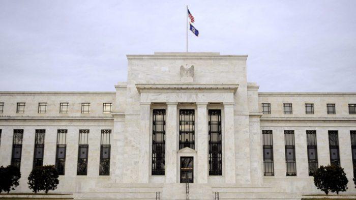 S&P 500 y Nasdaq cotizan en récord después de que Fed apunta a promedio en inflación