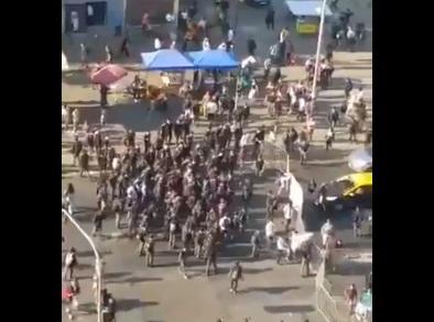 Alumnos del Instituto Nacional se manifestaron cortando el tránsito en el marco del inicio del año escolar