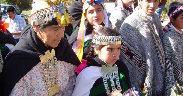 """Pueblos mapuche, yagán y rapa nui analizan el coronavirus: """"Es un buen tiempo para rearmar nuestra vida"""""""