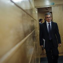 Pese a anuncio del Banco Central, la Bolsa de Santiago sufre su peor jornada en 30 años en un nuevo lunes negro