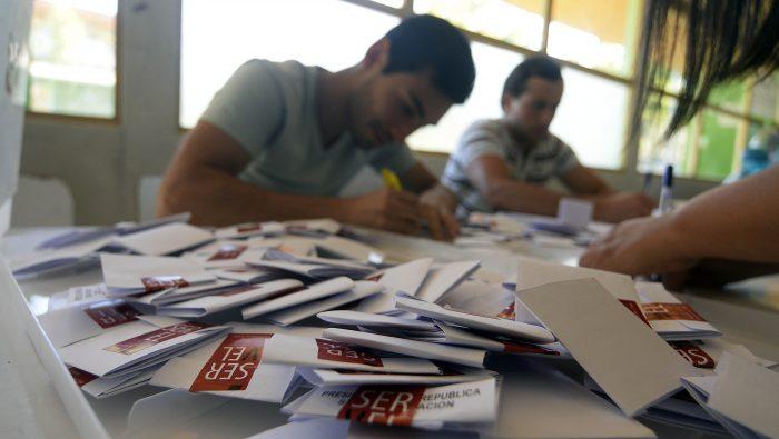 """Encuesta Pulso Ciudadano: aumenta el apoyo al Apruebo y a la fórmula sin parlamentarios de """"Convención Constitucional"""""""