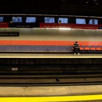 Metro de Santiago cambia horarios de apertura y cierre por toque de queda