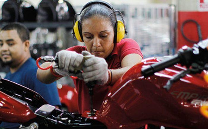 Brechas de género en la formación técnico-profesional: mucho por avanzar