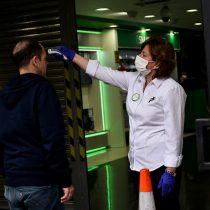 Casos de coronavirus en Chile son la mitad que los de España en el día 10 de la pandemia