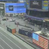 El concurrido paseo Times Square se mantiene vacío ante las precauciones del coronavirus