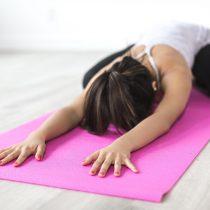 Mente sana, cuerpo sano: por qué realizar yoga y reiki es ideal durante la cuarentena