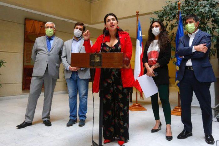 Diputadas Cariola y Vallejo (PC) ingresan proyectos destinados a que las AFP´s asuman el costo de los efectos del COVID-19