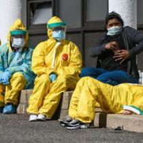 Coronavirus: qué es la carga viral de los pacientes y por qué pone en peligro a los trabajadores de la salud