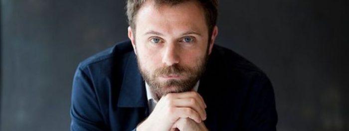 Escritor italiano Paolo Giordano: «Tengo miedo de descubrir que el andamiaje de la civilización que conozco es un castillo de naipes»