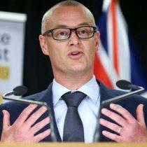 """""""Soy un idiota"""": el ministro de Salud de Nueva Zelanda presentó su dimisión por quebrar cuarentena por coronavirus para ir a la playa"""