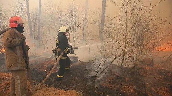 Chernóbil: los incendios forestales que arden en los alrededores de la planta nuclear