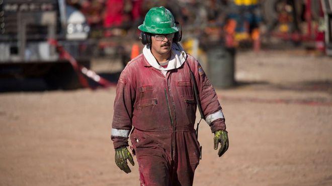 3 razones por las que el petróleo estadounidense se vendió a precio negativo y cómo afecta a América Latina