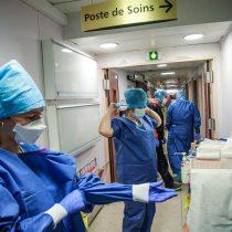 No son puros aplausos: Francia pagará bono de unos 2.000 euros al personal de salud que combate el Covid-19
