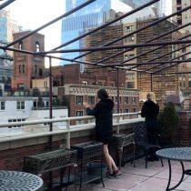 """Mujeres aisladas en la Nueva York del COVID-19: """"Emocionalmente te impacta"""""""