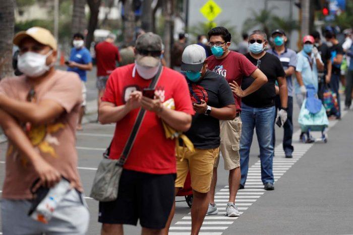 La fórmula peruana para la crisis del COVID-19: Congreso permite retirar el 25 % de fondos de pensiones