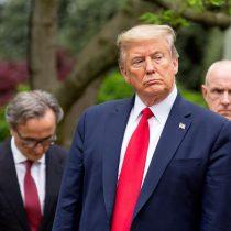 Lluvia de críticas a Trump por sugerir combatir el virus con