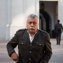 Carlos Caszely sostiene que el Presidente Piñera