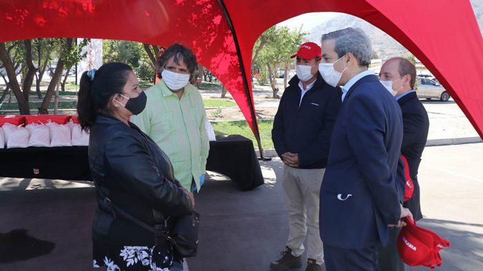 Emprendedoras combaten el COVID-19: Huechuraba recibe donación de más de 20 mil mascarillas