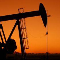 Mínimos desde 1999: petróleo Brent mantiene su trayectoria a la baja con una caída de 9,22%