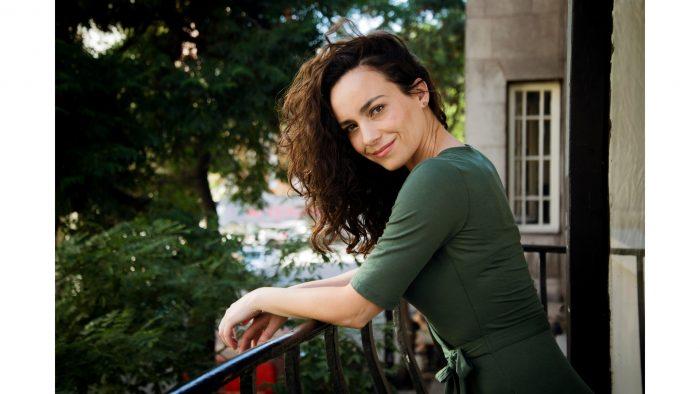 """Catalina Martin: """"Las mujeres podemos hacer lo mismo que los hombres y con taco"""""""