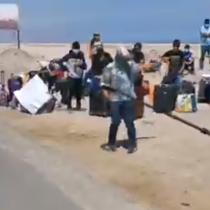 Cerca de 60 ciudadanos peruanos varados en la frontera de Arica y Tacna exigen volver a su país