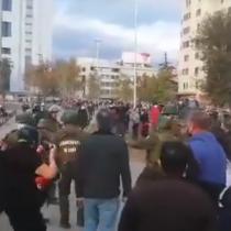 En el marco del 93 aniversario de Carabineros de Chile: se registran protestas y disturbios en la Plaza de la Dignidad