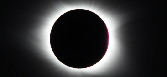 Proyecto astronómico transformará la intensidad y color de la luz del eclipse en la Araucanía en sonidos