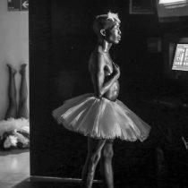"""Muestra fotográfica """" Tras Bambalinas"""" de la artista Natalia Espina exposición virtual"""