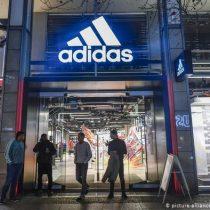 Adidas recibirá salvavidas estatal para superar crisis del COVID-19, pero no es gratis