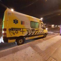 Antofagasta: Rayaron y apedrearon ambulancia que trasladaba muestras de coronavirus desde Calama