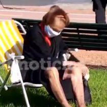 """""""Necesito una horita de aire y sol y me voy"""": señora de 85 años desafió a la policía en plena cuarentena en Buenos Aires"""
