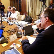 Rebaja de sueldos a altas autoridades del Estado avanza en el Senado pero acuerdan excluir al Poder Judicial