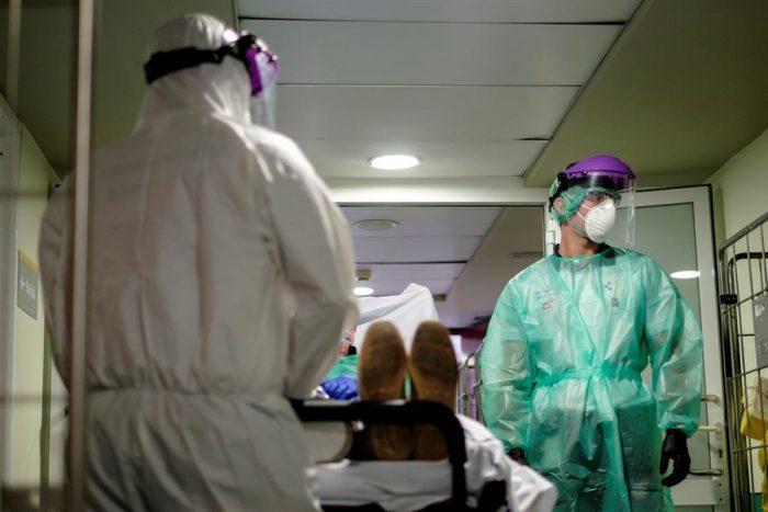 Jefa de urgencias en Nueva York se suicida estresada por el COVID-19