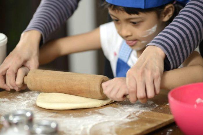 Lecciones de ciencia para que los niños aprendan mientras hacemos pan durante el confinamiento