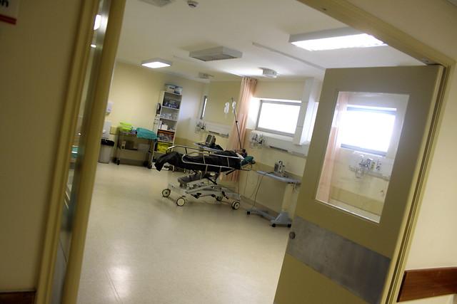 Foco de COVID-19 en el Hospital del Cáncer: funcionarios acusan desprotección de pacientes por falta de insumos básicos