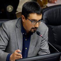 """Senador Latorre en picada contra el Gobierno por no decretar cuarentena en Valparaíso: """"Siguen con su estrategia de nueva normalidad"""""""