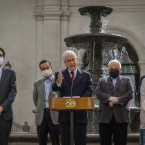 "Piñera apura a la banca y le pide ""estar a la altura"" al poner en marcha la ley Fogape de rescate a pymes"