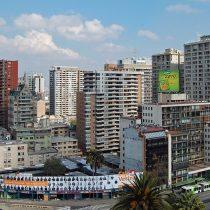 Expertos económicos prevén caída de entre 10 y 20% del Imacec de mayo debido a cuarentena en el Gran Santiago